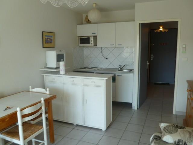 for rent studio alcove 4 personnes cap d 39 agde 34300 sun142a. Black Bedroom Furniture Sets. Home Design Ideas